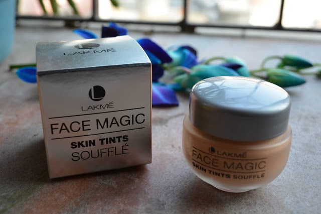 Lakme-Face-Magic-Skin-Tints-Souffle-Natural-Pearl