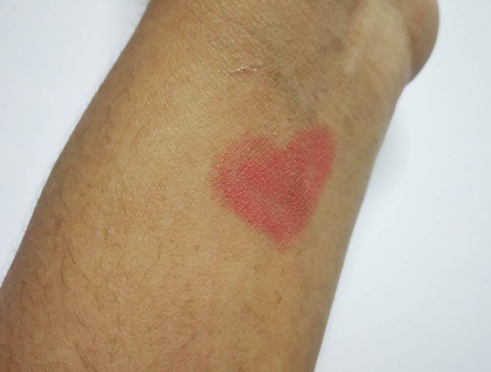 Lakme Enrich Lip Crayon Peach Magnet Swatch