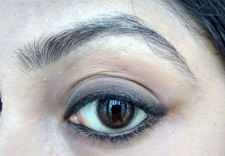 Plum Natur Studio All Day Wear Kohl Application