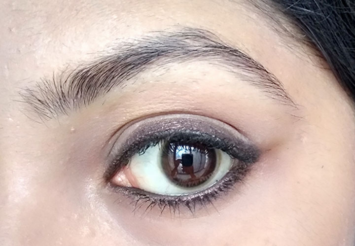 Plum Natur Studio All Day Wear Kohl Kajal Uptown Brown Application
