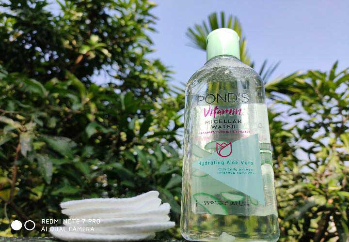 Pond's Vitamin Micellar Water Hydrating Aloe Vera Review