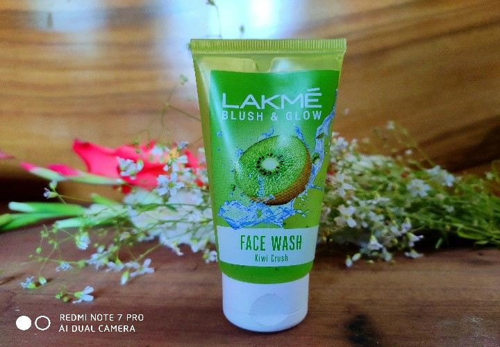 Lakme Blush and Glow Kiwi Crush Gel Face Wash Review