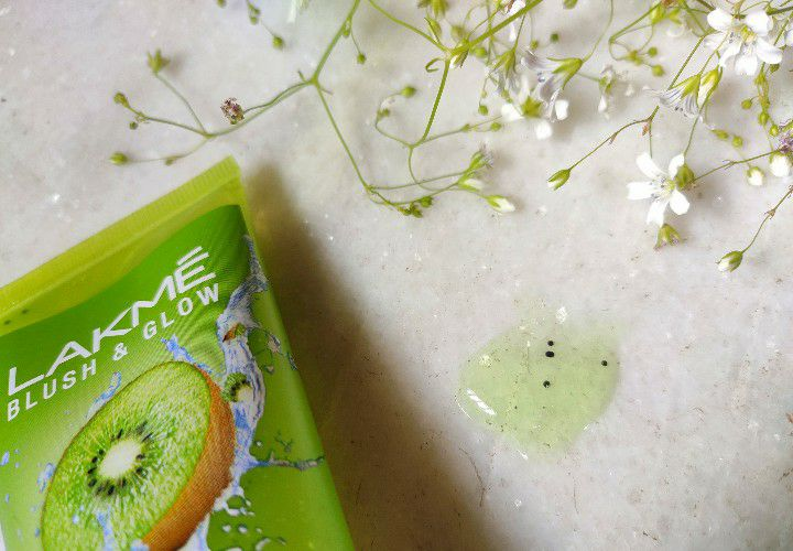 Lakme Kiwi Face Wash Texture
