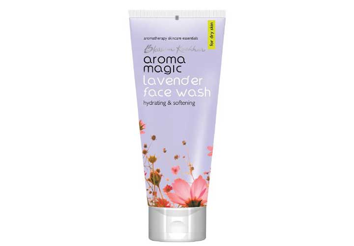 Aroma Magic Lavender Face Wash Best Face Wash for Dry Skin in India