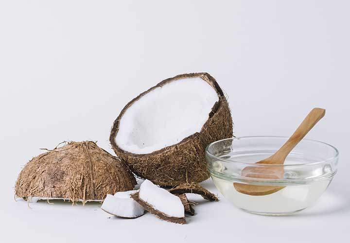 get rid of rashes using coconut oil