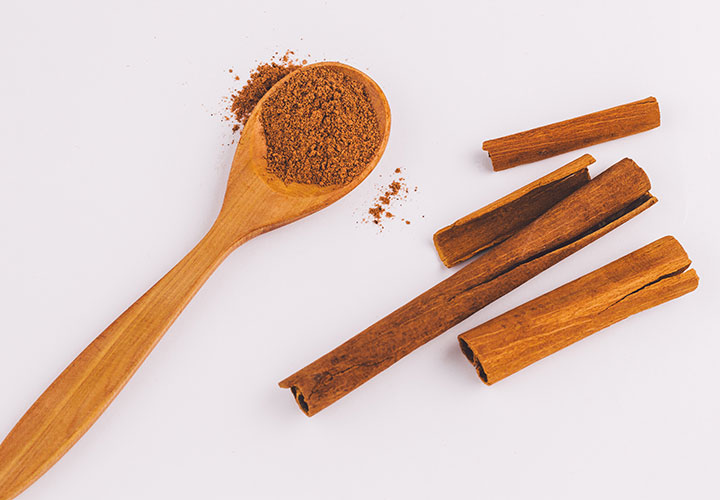 how to remove tan and hyperpigmentation at home with sandalwood