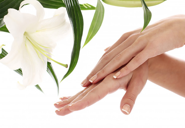 Hand Massage is Important for Manicure at Home