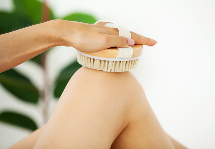 Dry Brushing is a Part of Body Polishing at Home