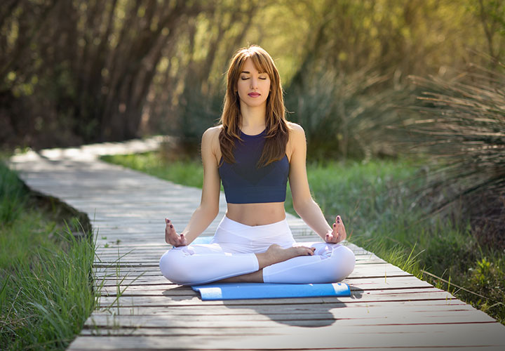 How to Lose Weight with the Help of Yoga and Meditation