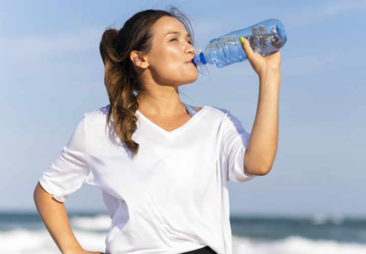Stay Hydrated to Lose Water Retention