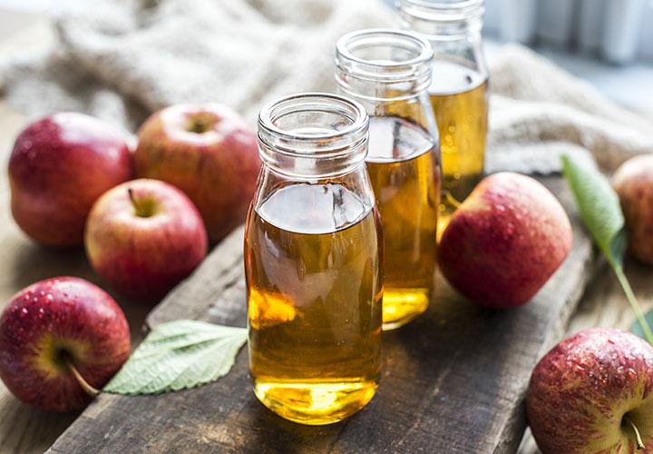 Apple Cidar Vinegar Homemade Hair Mask Recipe to Treat Dandruff.