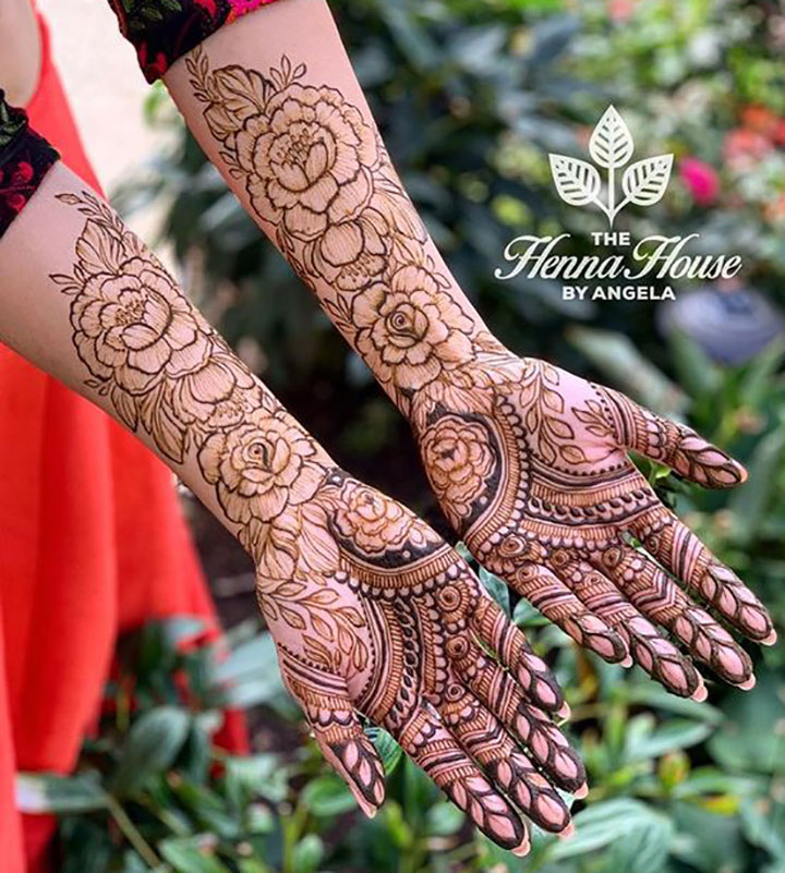 Beautiful Bridal Mehendi Design with a Romantic Touch