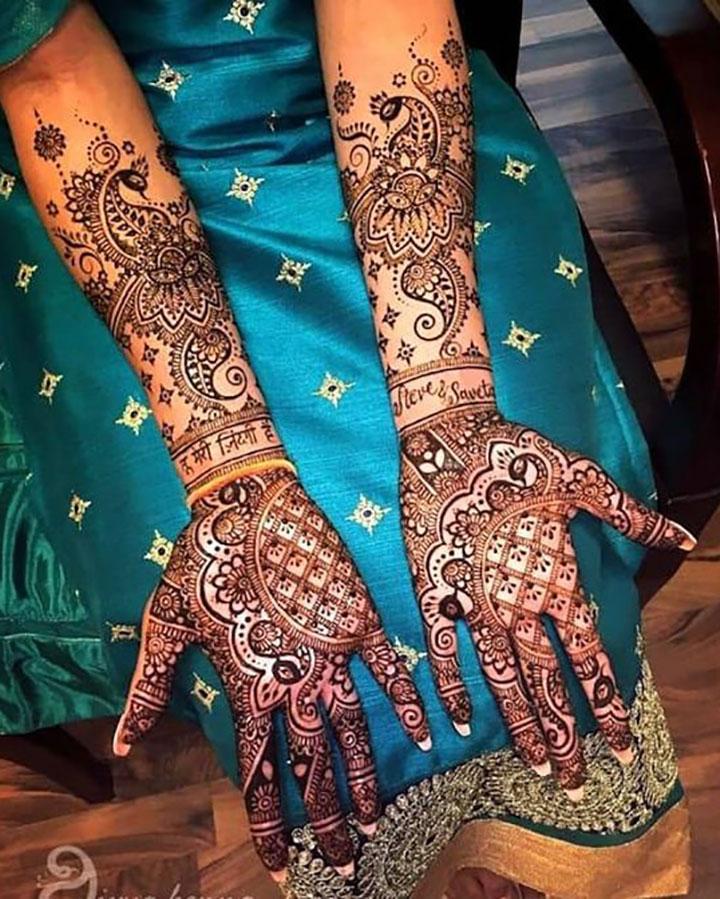 Beautiful Mehendi Design Perfect for Wedding