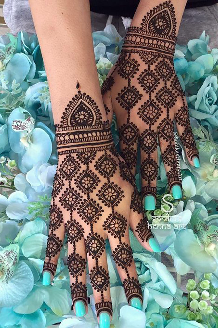 Complete Your Sangeet Look with this Floral Simple Mehendi Design