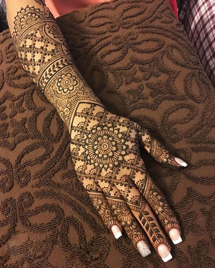 Delightful Bridal Mehendi Design