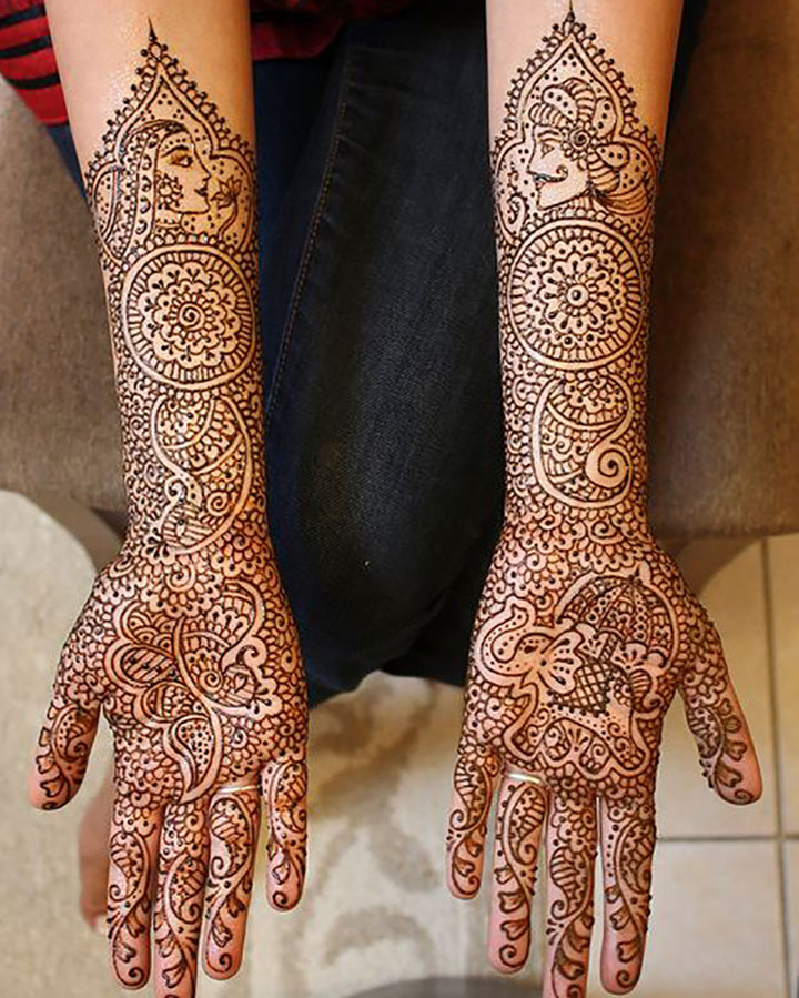 Full Palm Mehendi Design with Motifs All Over
