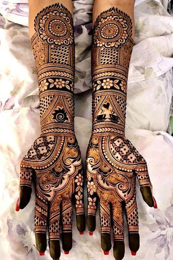 Personalized Bridal Mehendi Design for 2021