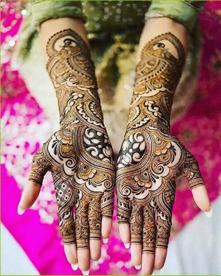 Photogenic Bridal Mehendi Design