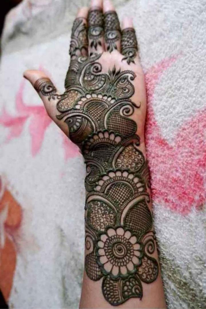 Sangeet-Perfect Mehendi Design