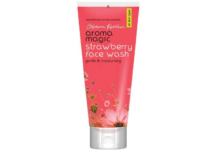 Aroma Magic Strawberry Facewash Most Loved Face Wash in India