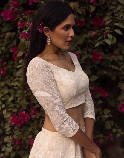 Trendy and Elegant Blouse Designs for All Occasions