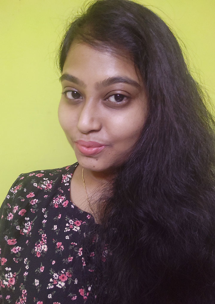 Swatch of Nykaa All Day Matte Liquid Lipstick Darling Daughter